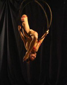 airal danza aerea cerchio doppio aerial hoop acrobatica aerea aerial