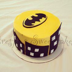 I love this Batman cake :)