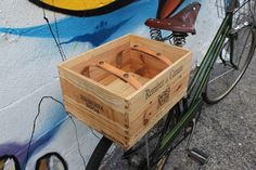 wine box basket Excellent idea on how to attach leather straps to the inside of the box to carry things and keep items in the box. Bike Trailer, Bicycle Accessories, Vintage Bicycles, My Ride, Bike Life, Cool Bikes, Wooden Boxes, Woodworking Projects, Ideas
