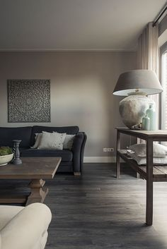 interieur klassiek landelijk Taupe Living Room, Living Room Lounge, Paint Colors For Living Room, Living Room Modern, Home Living Room, Interior Design Living Room, Living Room Decor, Taupe Walls, Modern Style Homes