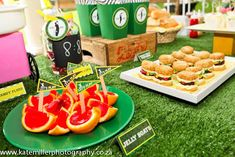 Get Ready for a Classy Cricket Theme Party featuring no less than a 7 Course Meal Menu. Make your cricket party more exciting. Sports Birthday, Sports Party, Cricket Theme Cake, 7 Course Meal, 7th Birthday Party Ideas, Party Food Themes, Party Treats, Themed Cakes, Kids