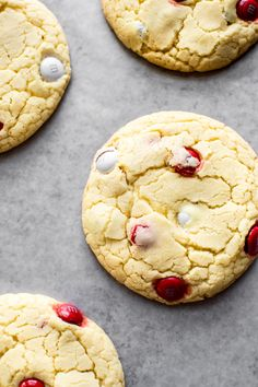 These soft & chewy easy Canada Day cookies are made with cake mix and red and white M&Ms candies, so they're the perfect no-fuss treat to bring to parties, BBQs, and picnics on July Perfect Cookie, Perfect Food, M&ms Cake, Cookie Recipes, Dessert Recipes, Cookie Ideas, Canada Day Party, Canadian Food, Canadian Recipes