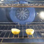 Clean the oven for a few minutes with a cut in half lemon. Put the lemon in the oven and turn the broiler on for a few minutes. After three minutes turn it off, throw the lemons and see the result. Deep Cleaning, Cleaning Hacks, Cleaning Supplies, Cleaning Services, Cleaning Products, Dirty Kitchen, Kitchen Hacks, Kitchen Cleaning, Fruit Flies