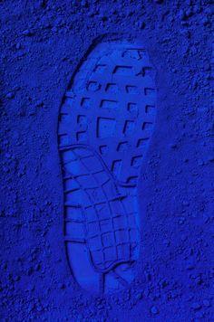 quenalbertini: In blue color Im Blue, Kind Of Blue, Love Blue, Deep Blue, Blue And White, Azul Indigo, Bleu Indigo, Blue Dream, Image Bleu