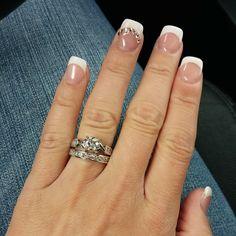 Thanks for sharing your sparkle selfie with us on instagram Kelli! #weddingdaydiamonds