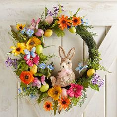 28 Gorgeous Easter Wreaths - Ideas for Easter Door Decorations to Make Diy Easter Decorations, Decoration Table, Easter Wreaths Diy, Deco Miami, Diy Osterschmuck, Diy Ostern, Easter Flowers, Spring Crafts, Crafts To Do