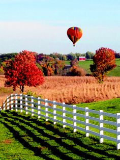 Ohio's Amish Country looks like a dream in this shot, doesn't it? CLICK HERE for more about Ohio's Amish Country at www.OACountry.com! #Amish #Ohio #Tourism
