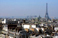 Wishing you a great Sunday from Paris! We chose a photo taken a couple of days ago as it is very cloudy here! wink emoticon // En vous souhaitant un agréable dimanche de Paris ! Nous avons choisi une photo prise il y a quelques jours car aujourd'hui est une journée maussade sur Paris www.frenchmoments.eu/paris-ile-de-france/ #Paris #EiffelTower #TourEiffel