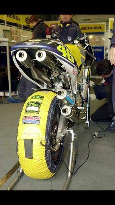 Amazing Honda nsr 500 2 strokes Valentino Rossi