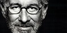 Spielberg tells Larry King he supports gov't disclosure on UFOs