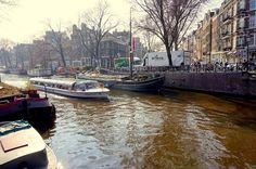 Reiseblog anderswohin - Just a traveller/ von Ulrich Kronenberg: Das Hausbootmuseum in Amsterdam: Mit dem Museumchef auf der Hendrika Maria