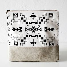Navajo Pattern Printed LeatherSuede Pouch native aztec by CORIUMI. Tribal Print Pattern, Navajo Pattern, Leather Carving, Leather Pouch, Leather Bags, Handmade Bags, Small Bags, Pattern Making, Linen Fabric