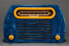 Catalin FADA 652 'Temple' Radio in Blue + Butterscotch w/ Great Marbling 1940s, Spark Gap, Radio Design, Retro Radios, Old Time Radio, Antique Radio, Record Players, Old Phone, Televisions
