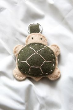 "Tortoise"" Felt Pets Keychain or pincushion? Felt Diy, Felt Crafts, Fabric Crafts, Sewing Crafts, Sewing Projects, Felt Keychain, Felt Patterns, Felt Fabric, Felt Dolls"