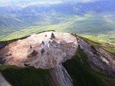 Strangest+Magma+on+Earth+Carbonatites+of+Ol+Doinyo+Lengai+%281%29.jpg (1180×886)