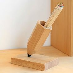 Woodworking Workshop Wood Turning Fancy - Pencil Pen Stand by XYL.Woodworking Workshop Wood Turning Fancy - Pencil Pen Stand by XYL Wooden Projects, Wood Crafts, Diy Projects, Into The Woods, Woodworking Plans, Woodworking Projects, Woodworking Joints, Woodworking Workshop, Woodworking Techniques