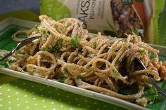 Tuulikummun keittiössä: Monipuolinen pähkinä: SAKSANPÄHKINÄPESTO ja arvont... Ethnic Recipes, Food, Essen, Meals, Yemek, Eten