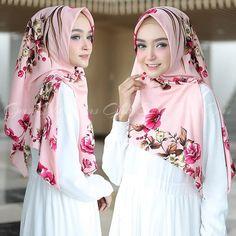 Hijab Prom Dress, Hijab Bride, Pakistani Wedding Dresses, Girl Hijab, Pashmina Hijab Tutorial, Pashmina Scarf, Turban Hijab, Muslim Brides, Beautiful Hijab