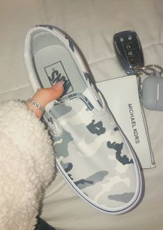 super cute slip-on camo vans Cute Sneakers, Shoes Sneakers, Women's Shoes, Sock Shoes, Shoe Boots, Camo Shoes, Vans Shoes Fashion, Fashion Outfits, Custom Vans Shoes