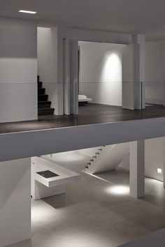 The contemporary interior design is a significant part needs to be planned whenever you are building or renovating a contemporary minimalist home. Minimalist Architecture, Minimalist Interior, Minimalist Decor, Modern Interior Design, Minimalist Design, Interior Architecture, Interior And Exterior, Luxury Interior, Estilo Interior