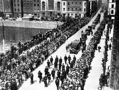 The Funeral of Constance, Countess Markievicz in Dublin in Ireland 1916, Dublin Ireland, Old Pictures, Old Photos, Irish Independence, Wild Irish Rose, Ireland Homes, Dublin City, Irish Men
