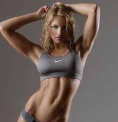 筋トレや運動でダイエットやシェイプアップをしたいけど、筋肉が付きすぎて太くなるのはイヤという女性の意見をよく耳…