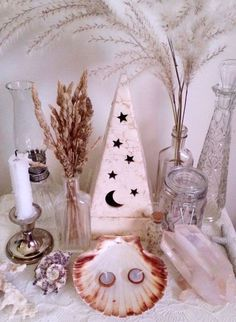 """floralwaterwitch: """"Although I'm always sad to see summer go, fall is so cozy and I really love Halloween 🎃 so here's my lovely altar for the autumn equinox ~ to celebrate and welcome all of the upcoming changes 🍂🌾💀🐚✨ """" Baby Witch, Sea Witch, Wicca Altar, Wiccan Decor, Under Your Spell, Eclectic Witch, Altar Decorations, Modern Witch, White Witch"""