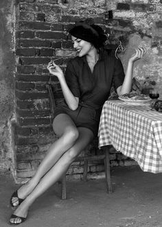 soyouthinkyoucansee:  buon appetito, love your pasta's bella! ♥H Buonappetite(have a good meal): (boo-on app-èt-it-oh) oh oh la la.