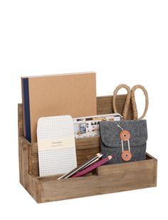 Praktischer Aufbewahrungskasten aus Holz mit unterschiedlichen Fachhöhen.  Preis: 24,90 €