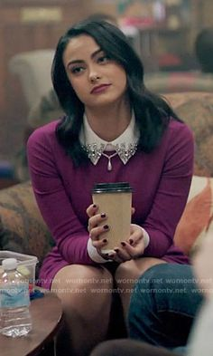 Veronica's purple dress with embellished collar on Riverdale Veronica Lodge Outfits, Veronica Lodge Fashion, Veronica Lodge Aesthetic, Fashion Tv, Fashion Outfits, Veronica Lodge Riverdale, Camila Mendes Veronica Lodge, Camila Mendes Riverdale, Camilla Mendes