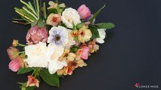 In our step-by-step DIY tutorial, learn how to make a colorful spring bridal bouquet featuring garden roses, butterfly ranunculus, tulips and anemones! Spring Wedding Inspiration, Spring Wedding Flowers, Diy Tutorial, Tulips, Bouquets, Muse, Floral Wreath, Wreaths, Colorful