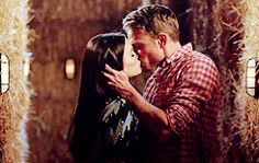 hart of dixie, sundaystorms:   'There.'