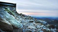 GAUSTATOPPEN: Turen til toppen er en klassiker, og herfra får man en av Norges største utsikt målt etter areal. På en klar dag sies det at man kan skue utover 60.000 kvadratkilometer.