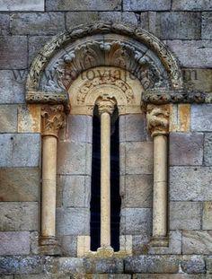 #Ventana románica #Rebolledo de la Torre, provincia de #Burgos #románico #JuanDePiasca