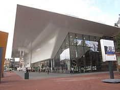 Stedelijk Museum, Amsterdam, White and glass building - new entrance