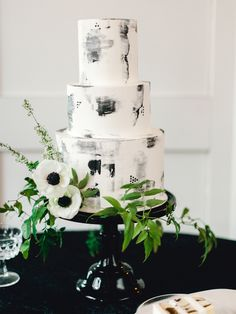 marble wedding cakes buttercream wedding cake, black and white wedding cake, marble cake Black And White Wedding Theme, Black Wedding Cakes, Floral Wedding Cakes, Floral Cake, Cake Wedding, Wedding Cupcakes, Black White Weddings, Modern Wedding Cakes, Wildflower Cake