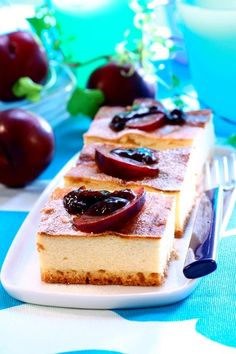 Cheesecake cu prune Eat Smarter, Cheesecake, Easy Meals, Yummy Food, Sweets, Lunch, Desserts, Recipes, Homemade Food