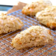 Buttery and delicate White Chocolate Macadamia Nut Scones topped with a light almond glaze. (easy sugar cookies with almond extract) Delicious Desserts, Dessert Recipes, Yummy Food, Scone Recipes, Brunch Recipes, Bread Recipes, Muffin Recipes, White Chocolate Macadamia, Single Serving Recipes