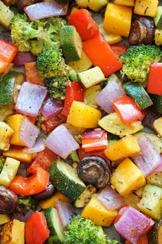 Roasted Vegetables ~ The easiest, simplest, and BEST way to roast vegetables – perfectly tender and packed with so much flavor!Roasted Vegetables ~ The easiest, simplest, and BEST way to roast vegetables – perfectly tender and packed with so much flavor! Easy Vegetable Side Dishes, Vegetable Sides, Veggie Dishes, Veggie Food, Healthy Recipes, Side Dish Recipes, Vegetarian Recipes, Cooking Recipes, Dinner Recipes