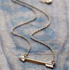 Gold Arrow Necklace This has never been worn and has a natural fade! Forever 21 Jewelry Necklaces