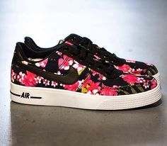 """Trendy Women's Sneakers : Nike Air Force 1 AC """"Floral"""" - Nike Boots, New Nike Shoes, Nike Shoes Cheap, Nike Shoes Outlet, Cheap Nike, Trendy Womens Sneakers, Girls Sneakers, Nike Air Force, Baskets"""