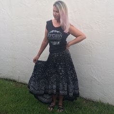 Boho circus graphic tee #melissastees #quiquiclothing maverick skirt in black amazing neutral castaway style skirt #bohochic #bohocircus #graphictee #bohemianstyle #outfit #style #fashion #blogger
