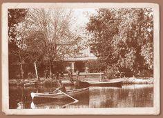 Lagunita de la Quinta Normal  La lagunita de la Quinta Normal, parque concebido originalmente como parque botánico,   contituía uno de los paseo recreacionales más importantes de la ciudad. Formó parte del gran impulso urbanístico que recibió la ciudad, en torno al Centenario de la Independencia.