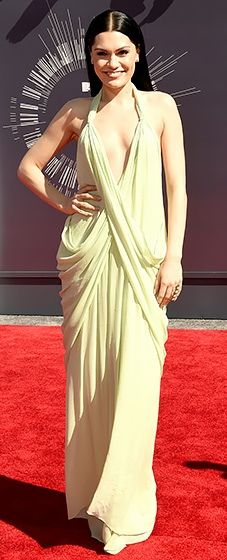 Bang bang! Jessie J is ruling the 2014 VMA red carpet in this stunning dress. Love her sleek hair!