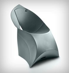 Flux Chair: Origami and ergonomics in a