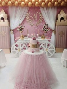 Adorable idea for baby shower or little princess party decorate moving boxes for castle towers a white table is transformed with cardboard cutout wheels the desert table with tule skirt and beautiful gold balloons babyshower princessparty Princess Theme, Baby Shower Princess, Princess Castle, Baby Birthday, 1st Birthday Parties, Daughter Birthday, 1st Birthday Cakes For Girls, 1st Birthday Party Ideas For Girls, Cake Table Birthday