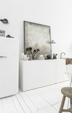 Kitchen Living, Kitchen Decor, Christmas Interiors, White Interior Design, White Houses, Rustic Interiors, Kitchen Remodel, Cool Things To Buy, New Homes