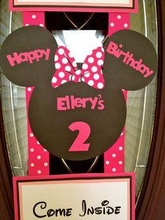 Minnie Mouse cumpleaños inspirado puerta bandera  por FiggiDoodles