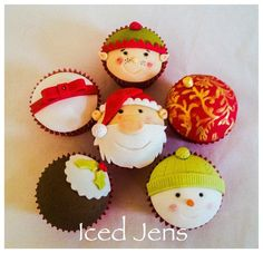 Christmas Cuppies! - Cake by IcedJens