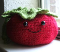 Caffeine, kids, and knitting...in that order.: Fulled Tomato Purse (crochet)